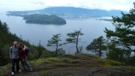 couple hugging on mt gardner bowen island
