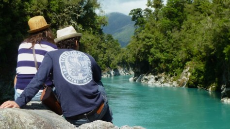 couple sitting by hokitika gorge