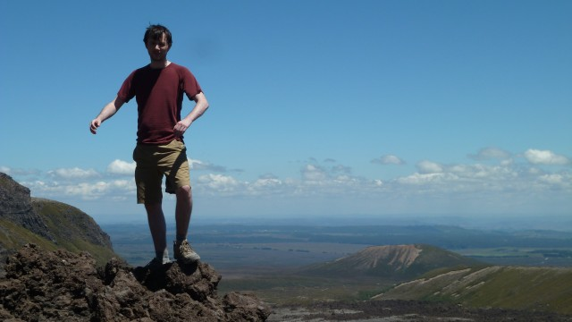daniel standing awkwardly during photo on tongariro crossing
