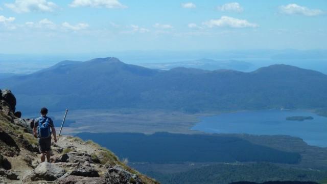 fraser hiking tongariro crossing