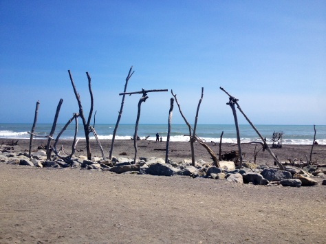 hokitika driftwood sign on hokitika beach
