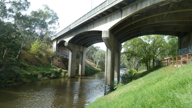 yarra river and bridge